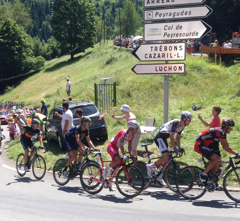 tour de france pyrenees stage bales peyresourde