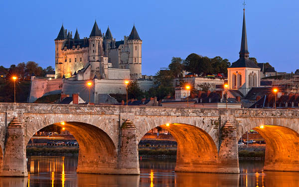 loire valleu saumur at twilight