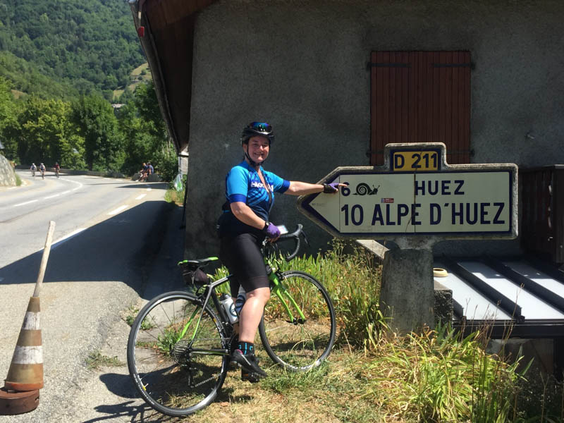cycle alpe d'huez road sign