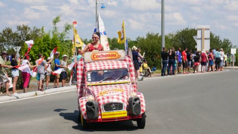 watch tour de france live publicity caravan